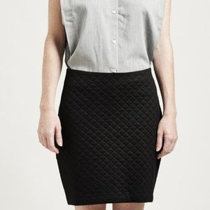 Laundry by Shelli Segal Black Quilted Pencil Skirt